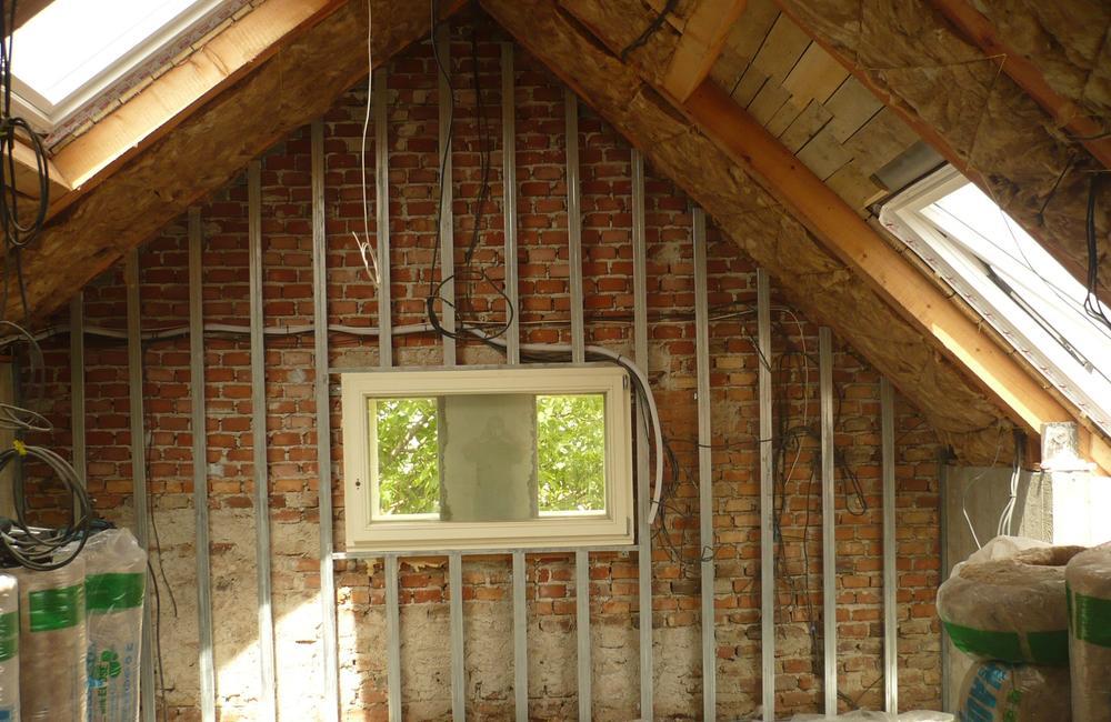 Interiéry lze dodělat suchou stavbou