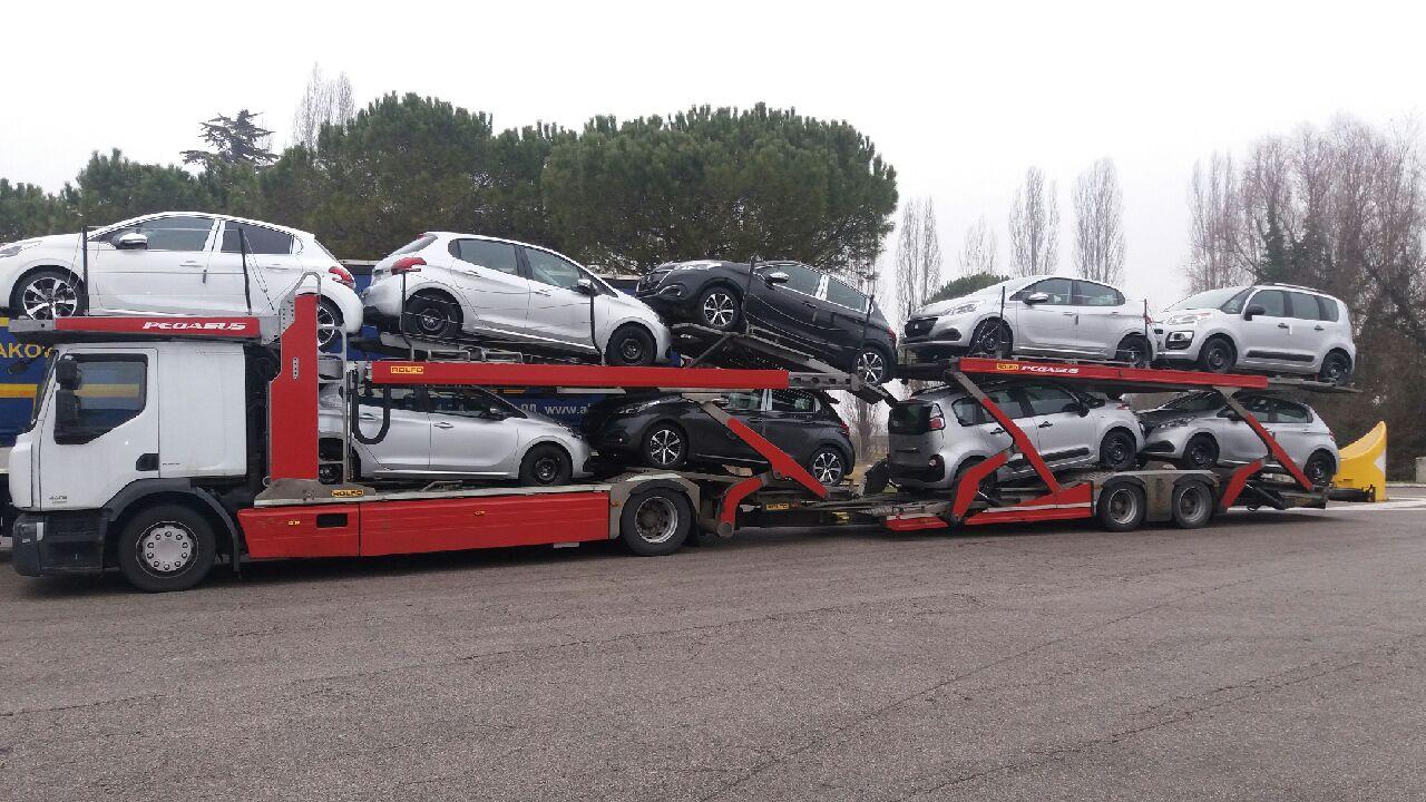 I auta někdy potřebují přepravit