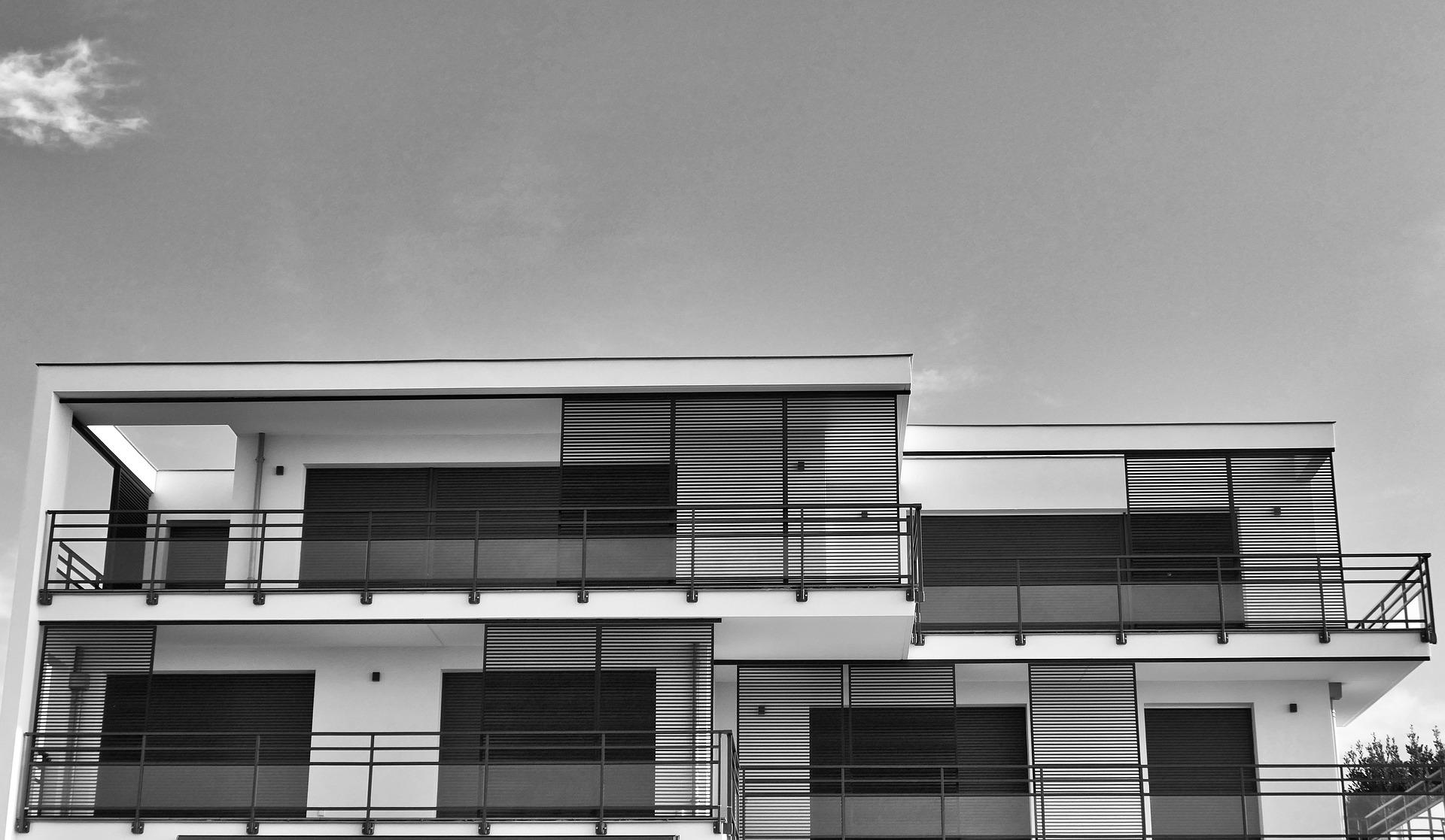 Pro a proti ploché střechy