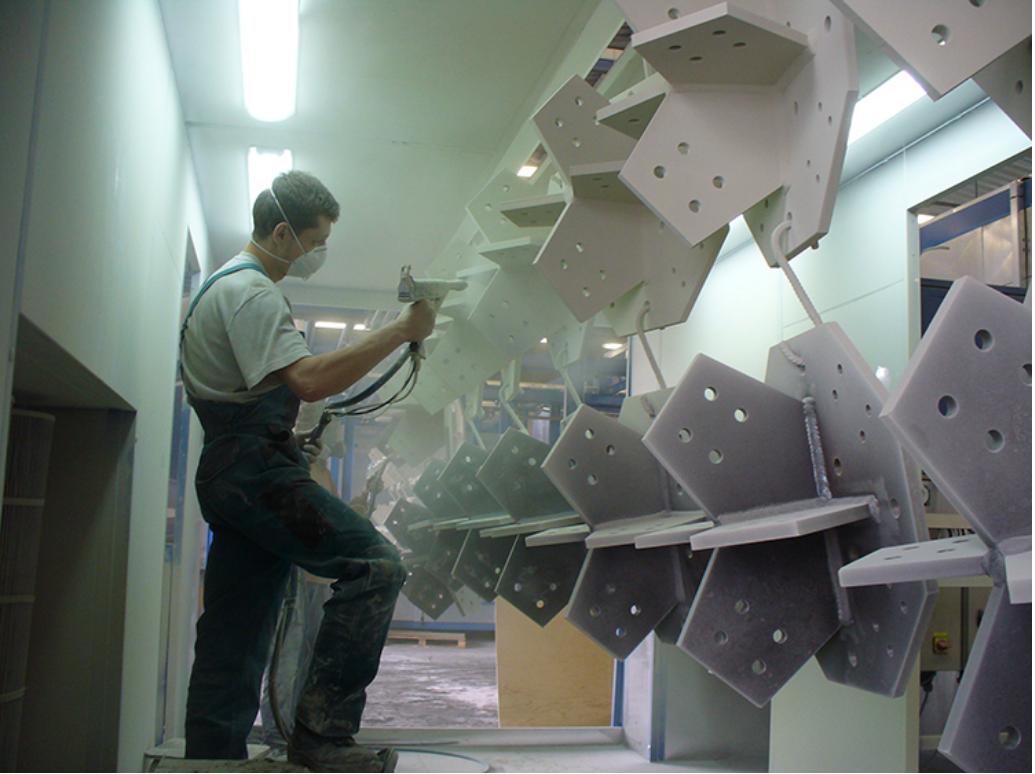 Moderní povrchová úprava kovů? Práškové lakování!