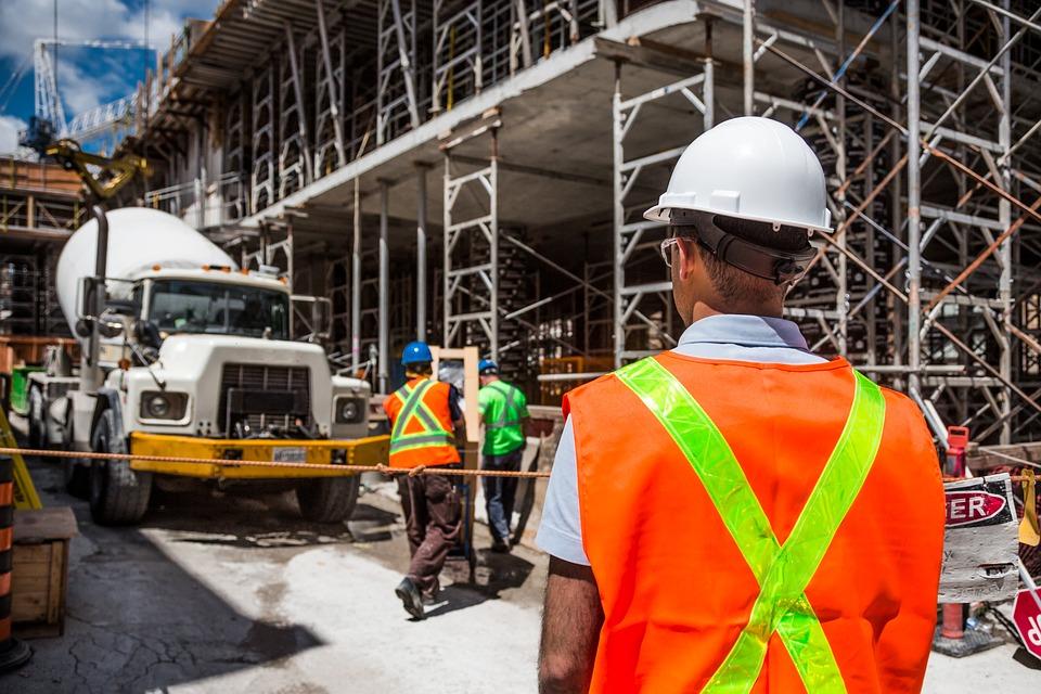 Sledovat předpisy BOZP a požární ochrany
