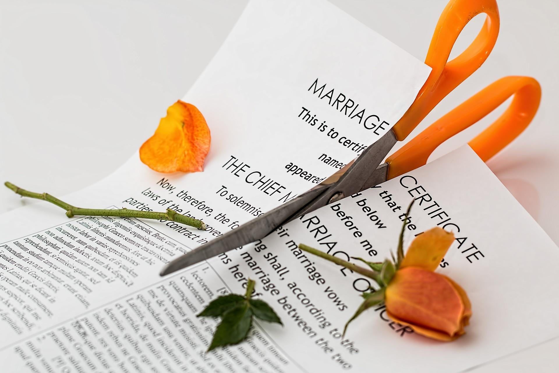 Rozvod bez právníka přináší zbytečné starosti navíc