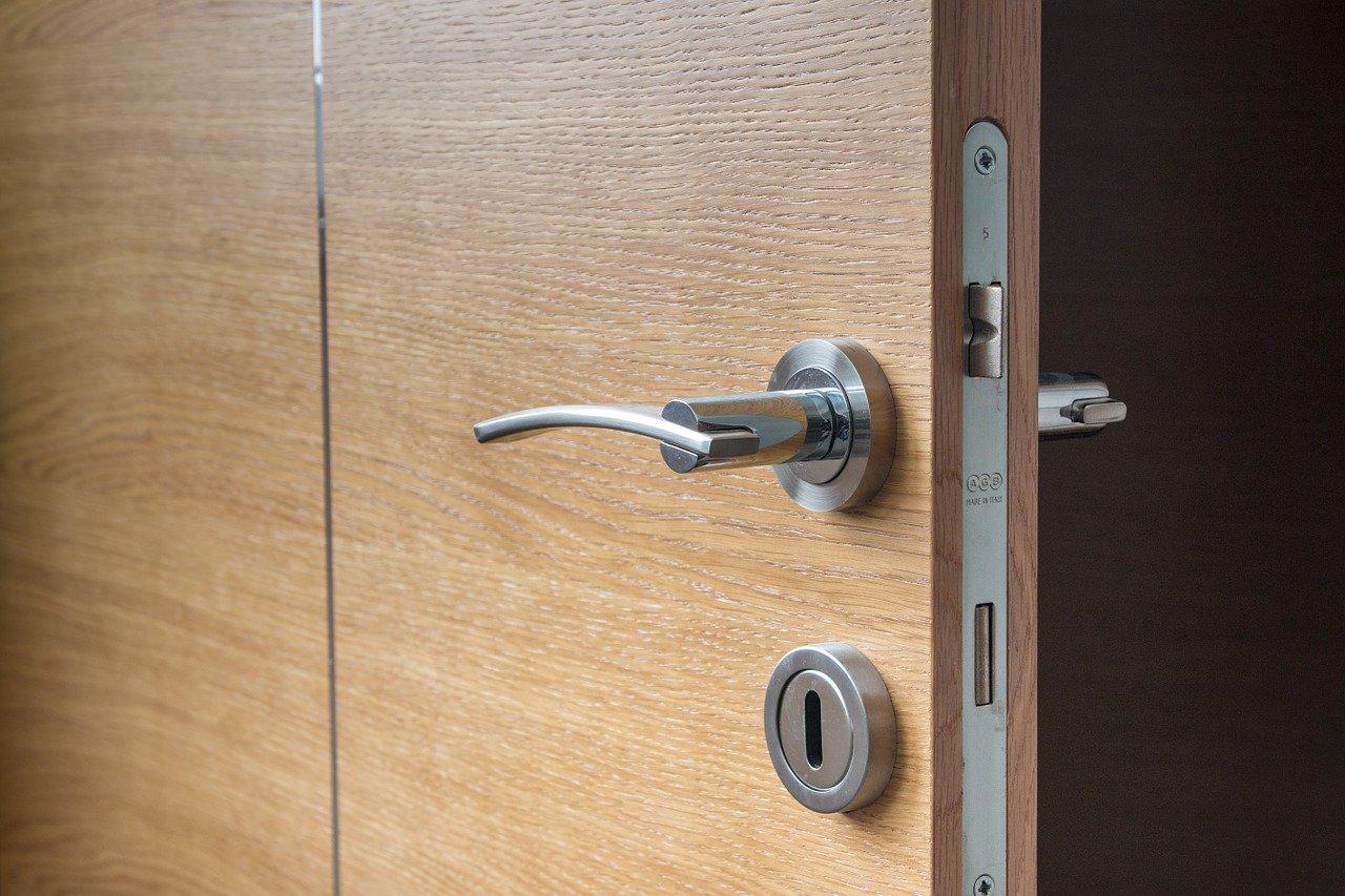 Jak si poradit svýběrem vhodných dveří?