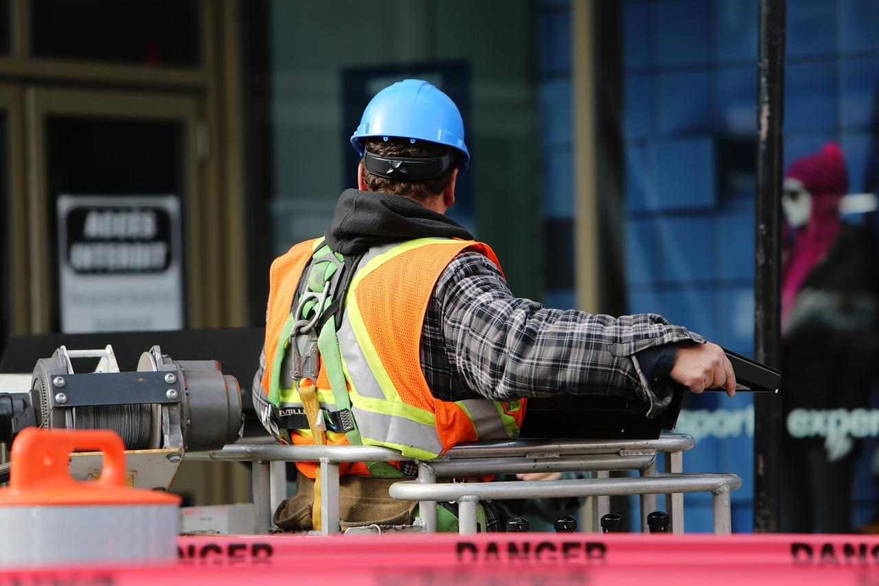 Proč je nutné dodržovat BOZP na stavbách?