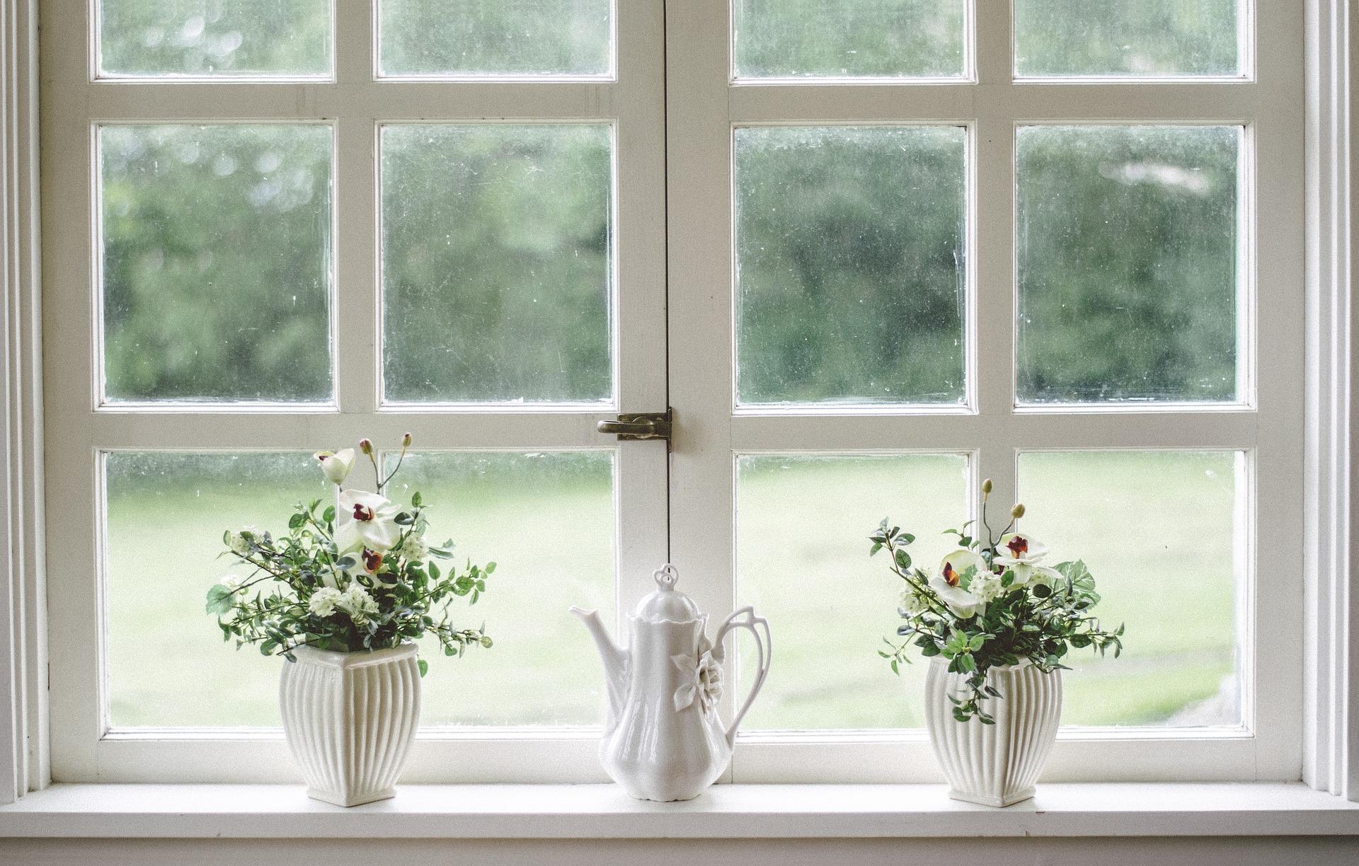 Okna je potřeba seřídit dvakrát do roka