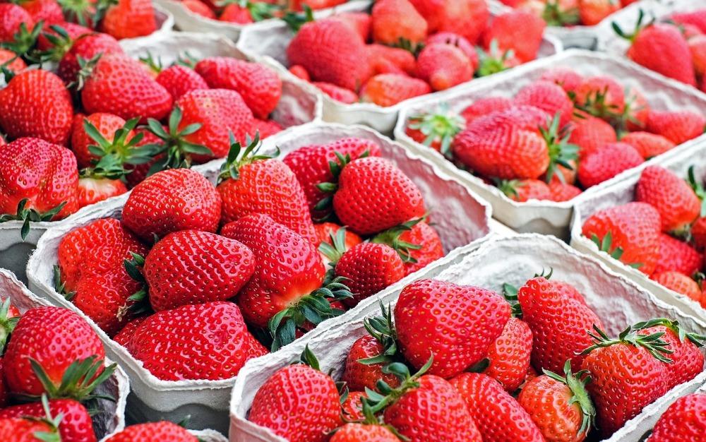 Čím je ovoce prospěšné našemu tělo, a jaké zázraky umí jahody?